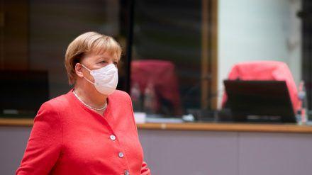Angela Merkel hat sich mit den Staats- und Regierungschefs der EU beraten. (jom/spot)