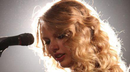 Taylor Swift würde gerne für ihre Fans performen (rto/spot)