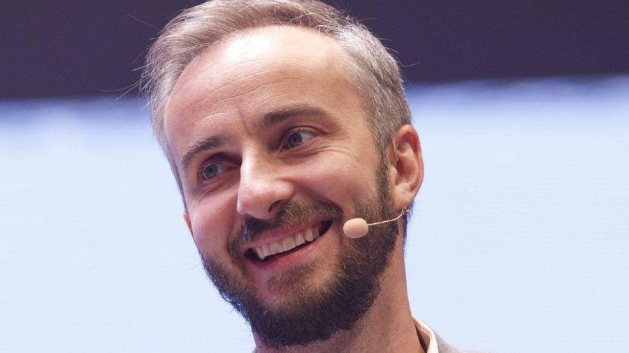 Video: Zum 40. Geburtstag: 3 Fakten über Jan Böhmermann