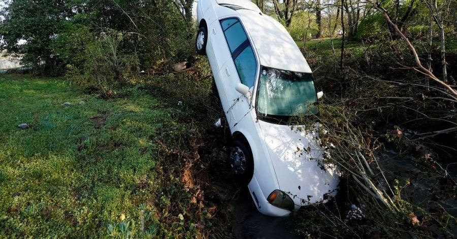 Ein von den Fluten mitgerissenes Auto in Nashville.