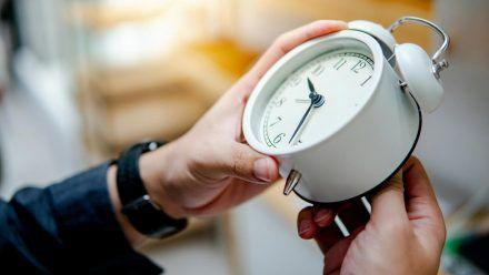 Zweimal im Jahr wird europaweit noch immer an den Uhren gedreht. (wag/spot)