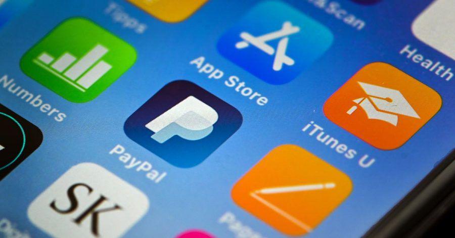 Der BGH hält es für zulässig, dass Unternehmen ihren Kunden für Online-Bezahlungen per Paypal oder Sofortüberweisung eine Extra-Gebühr aufbrummen.