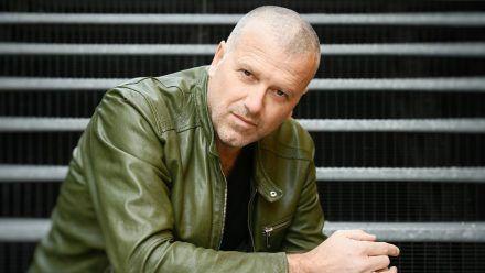 """Bernhard Aichners neues Werk heißt """"Dunkelkammer"""". (hub/spot)"""