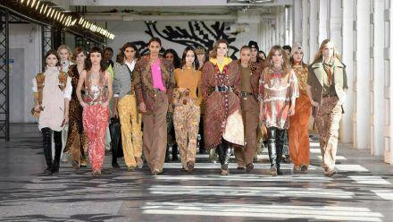 Die Mailänder Fashion Week zeigt: In diesem Frühjahr erwartet uns ein wilder Muster-Mix. (kms/spot)