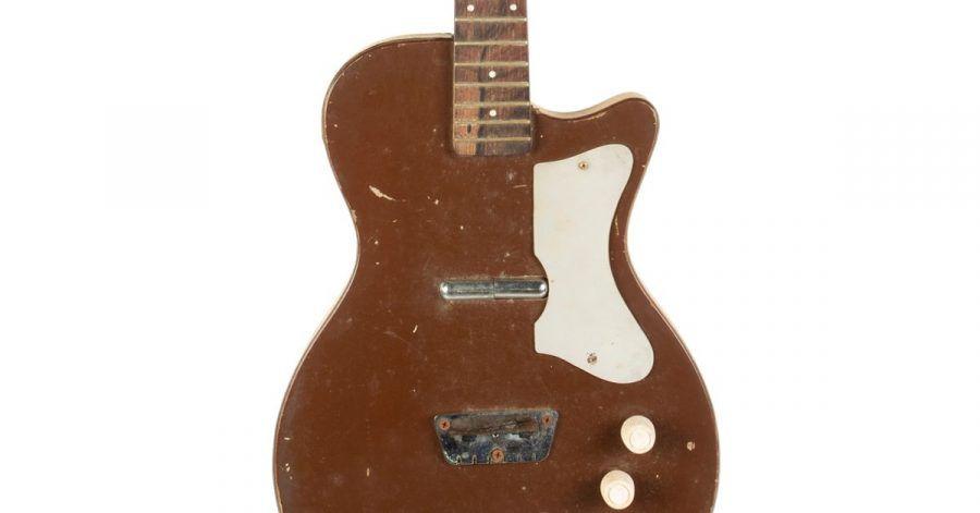 Eine Silvertone Danelectro Gitarre von Gretsch, die einst Tom Petty und George Harrison gehörte.