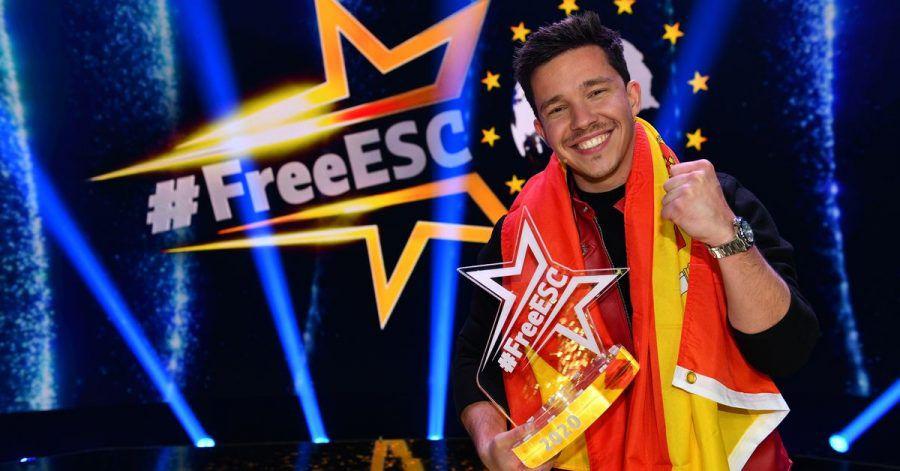 Nico Santos freut sich über seinen Sieg bei der ersten Auflage von Stefan Raabs «Free European Song Contest».