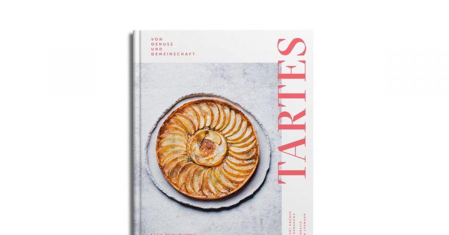 «Tartes. Von Genuss und Gemeinschaft. Saisonale Rezepte für jede Jahreszeit», Norbert Krüger, Risa Nagahama, Joerg Lehmann, Elsa Publishing, 208 Seiten, 36 Euro, ISBN: 978-3948859015.