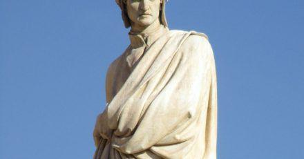 Ein Denkmal des Dichters Dante Alighieri in seiner Geburtsstadt Florenz.