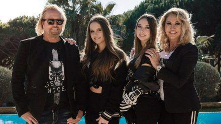 Robert und Carmen Geiss mit den Töchtern Davina und Shania (rto/spot)