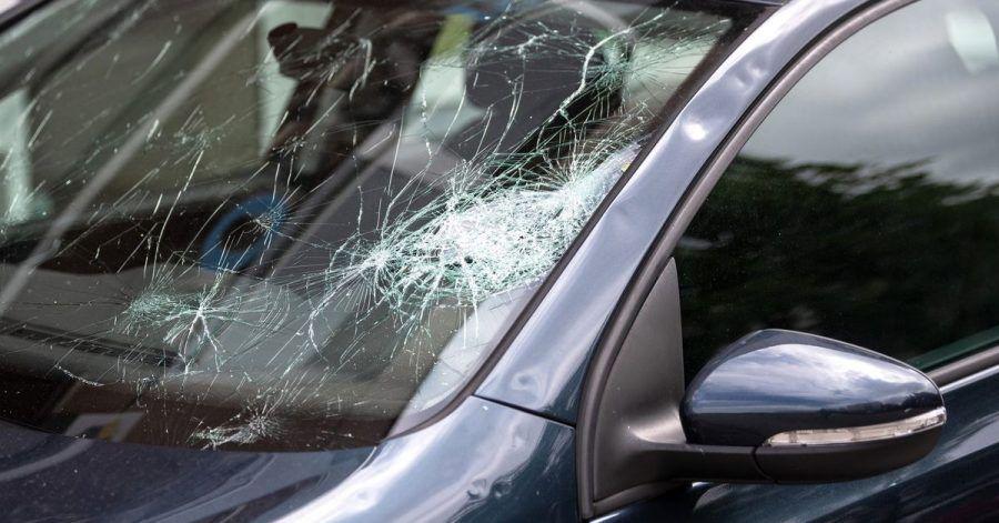 Der Tag danach: Sturmschäden können Fahrzeughalter und -halterinnen ihrer Kaskoversicherung melden.