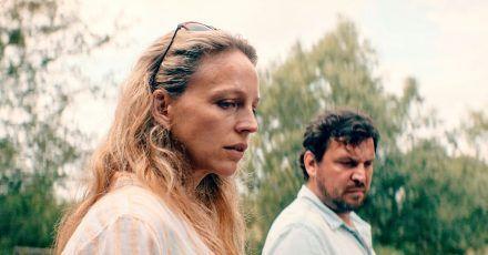 Einem Skandal auf der Spur: Lona Mendt (Petra Schmidt-Schaller) und Frank Elling Sascha Geršak).