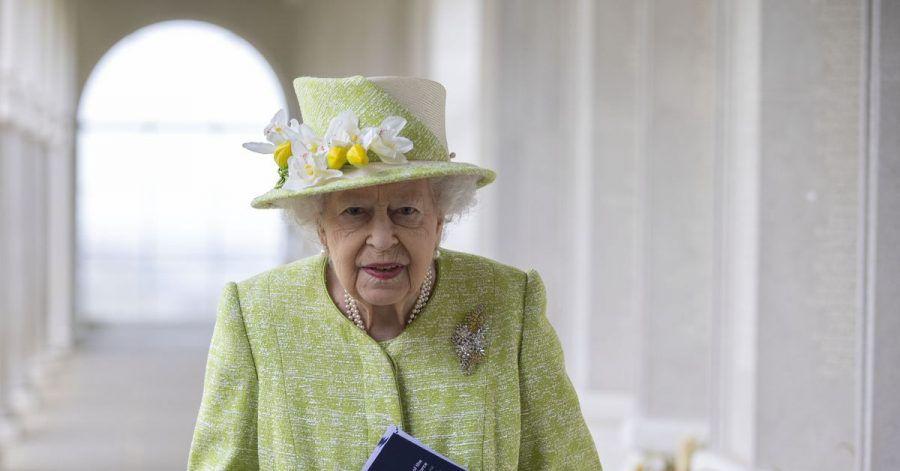 Im Frühlingslook: Queen Elizabeth beim Besuch des Kriegerdenkmals für Commonwealth-Soldaten.