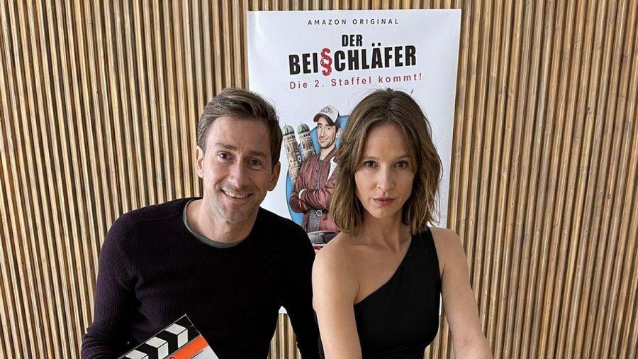 """Markus Stoll alias Harry G mit Kollegin Lisa Bitter am Set von """"Der Beischläfer"""". (dr/spot)"""
