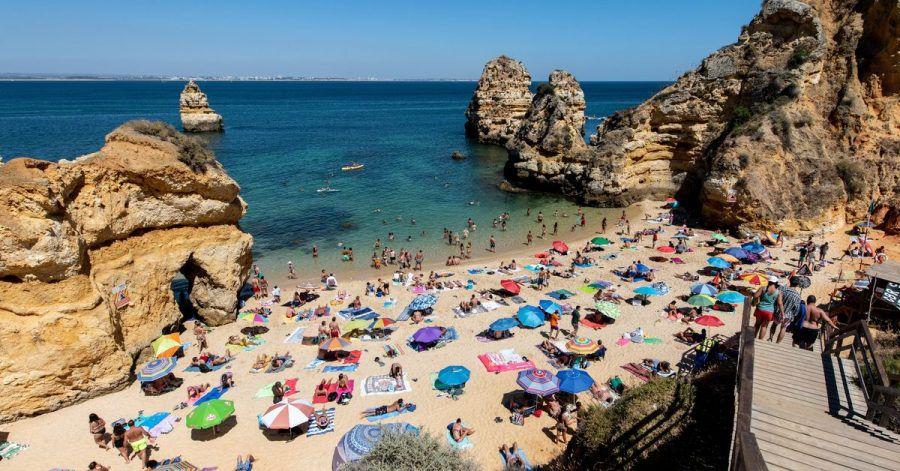 Die Reisewarnung für die portugiesische Urlauberregion Algarve wurde aufgehoben. Die Buchungen von Urlaubern aus Deutschland steigen wieder an.