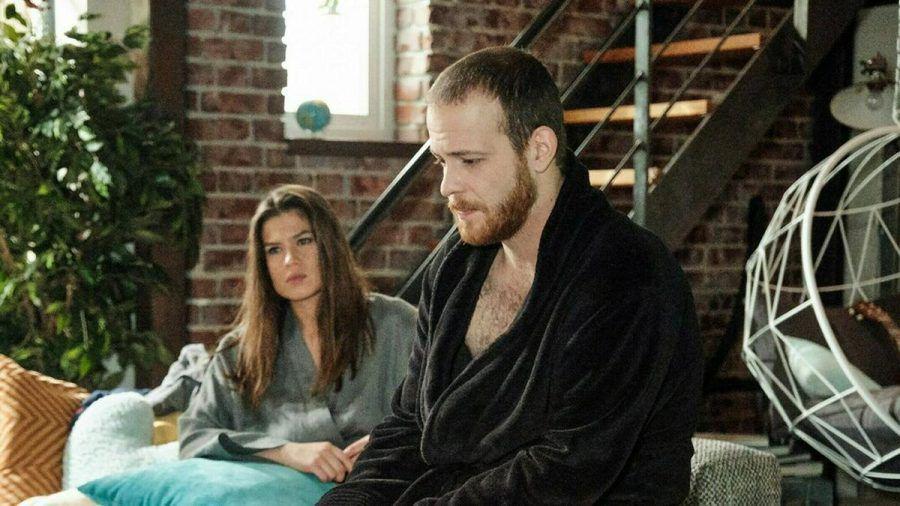 """""""Unter uns"""": Vivien versucht vergeblich, den Sex mit Tobias zu forcieren. (cg/spot)"""