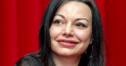 Die Schauspielerin Cosma Shiva Hagen braucht nicht viel Platz.