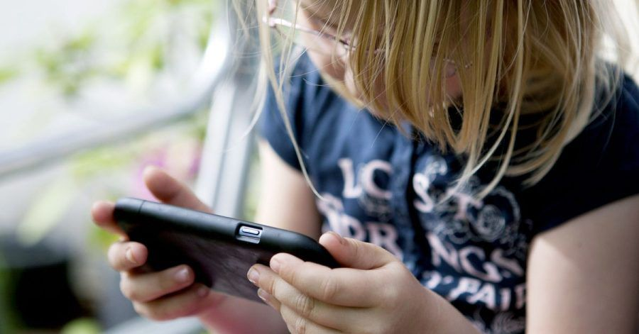 Wenn Kinder mit In-App-Käufen Kosten verursachen, können Eltern das Geld vom Anbieter unter Umständen zurückverlangen.