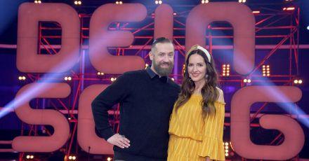 Bürger Lars Dietrich und Johanna Klum moderieren den Wettbewerb.
