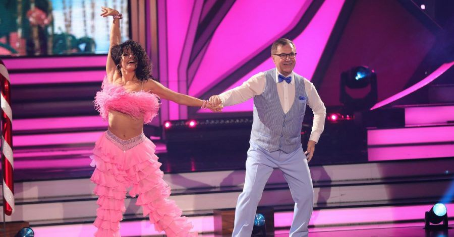 """Ex-""""Tagesschau""""-Sprecher Jan Hofer und Profitänzerin Christina Luft in der RTL-Tanzshow """"Let's Dance""""."""