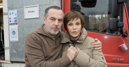 Krimis über Krimis im Programm: Auch die Schauspielerin Katrin Sass als Ex-Staatsanwältin Karin Lossow und der Schauspieler Merab Ninidze als polnischer Kommissar Lucjan Gadocha ermitteln wieder.