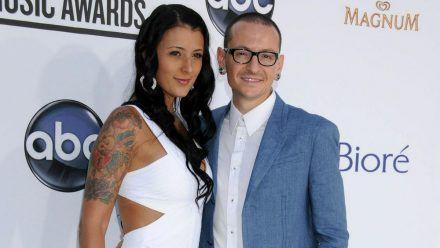 Talinda und Chester Bennington bei einer Preisverleihung im Jahr 2012. (jom/spot)