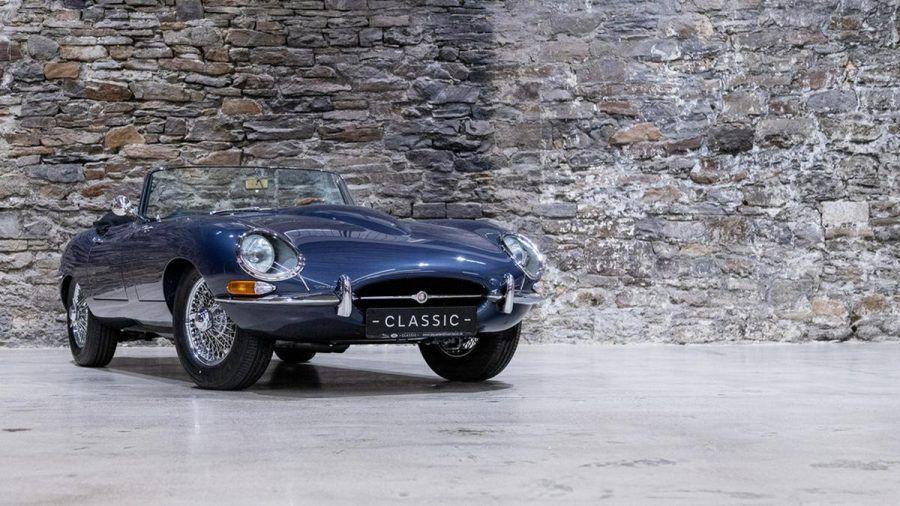 Als dunkelblaues Cabriolet steht der Jaguar E-Type sogar im MOMA in New York. (elm/spot)