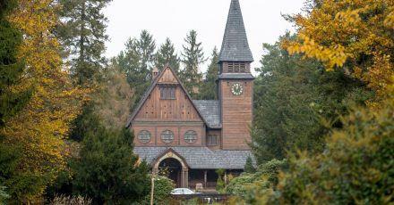 In der Netflix-Serie «Dark» taucht die Friedhofskapelle auf dem Südwestkirchhof in Stahnsdorf auf.