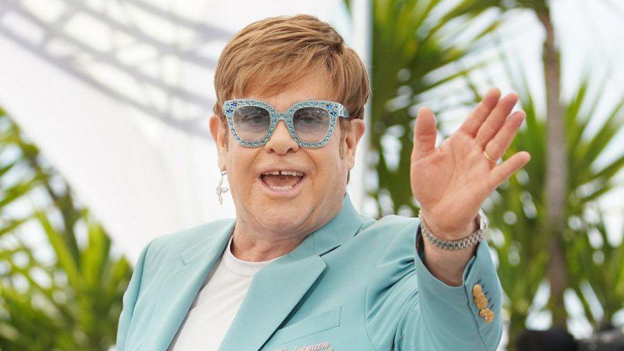 Elton John feiert seinen 74. Geburtstag mit der Familie. (cos/spot)