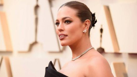 Sexy Dusch-Video: Ashley Graham zeigt ihre Kurven