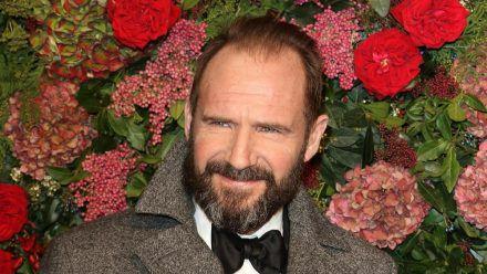 Gentleman Ralph Fiennes ist von der heutigen Streitkultur entsetzt (stk/spot)