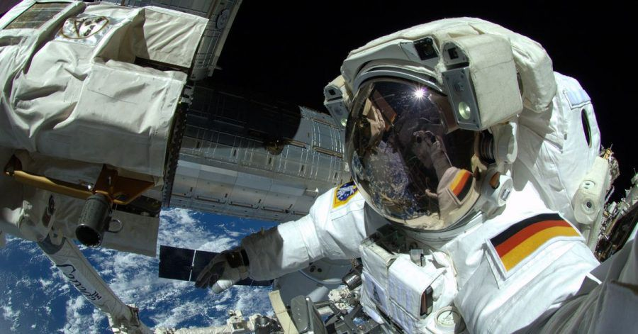 Der deutsche Astronaut Alexander Gerst arbeitet am an der Internationalen Raumstation ISS. (Archivbild)