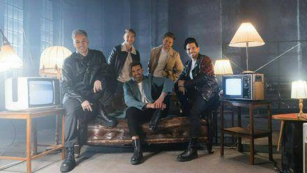 Team 5ünf verbeugen sich mit ihrer ersten Single vor Take That. (hub/spot)