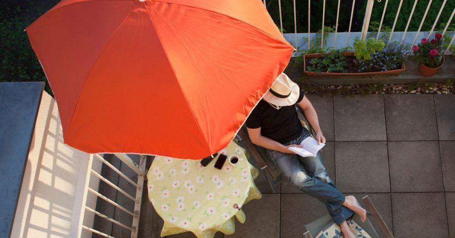 Laut einer YouGov-Umfrage wollen die meisten Deutschen in den Osterferien auf eine Urlaubsreise verzichten.