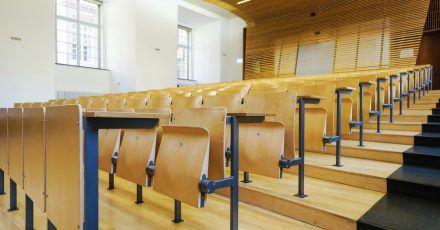 Der Weg in den Hochschul-Hörsaal steht auch Bewerberinnen und Bewerbern ohne Abitur oder Fachabitur offen.