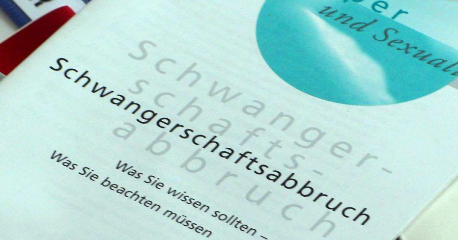 Die Zahl der Schwangerschaftsabbrüche in Deutschland ist gesunken - womöglich auch dank besserer Aufklärung.