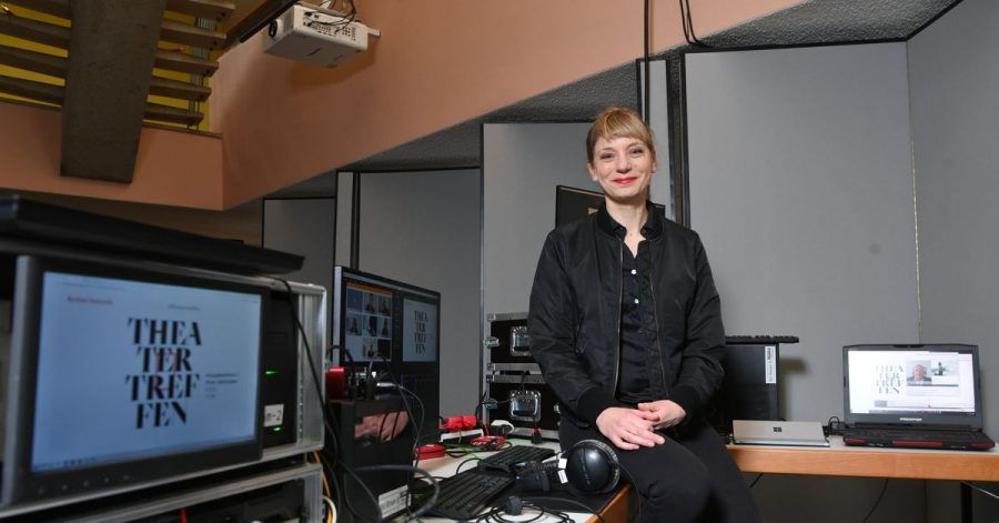 Festivalleiterin Yvonne Büdenhölzer im Haus der Kulturen der Welt.