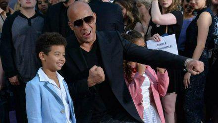 Vin Diesel mit seinem Sohn Vincent bei einer Veranstaltung im Jahr 2017. (rto/spot)