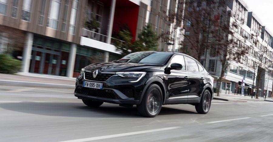 SUV oder Coupé? Renault hat dem Koleos ein Schrägheck verpasst und auf eine neue Plattform gestellt. Herausgekommen ist der Arkana.