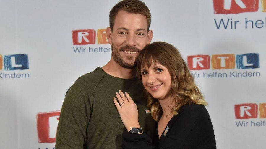 """Video: """"Bauer sucht Frau""""-Stars Gerald & Anna Heiser zeigen ihr Baby"""