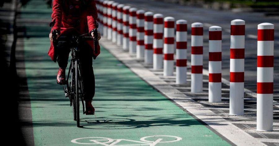 In Berlin hat sich einiges in Sachen Fahrradfreundlichkeit getan. So gibt es jetzt z.B. mehr Radwege, die durch Poller geschützt werden.