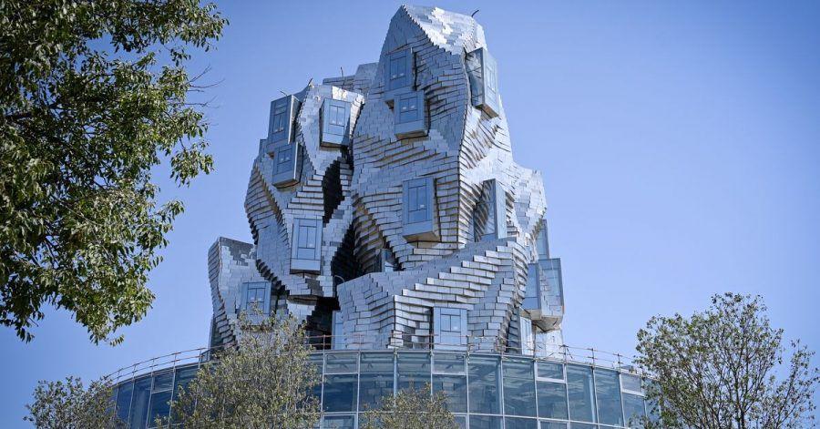 Futurismus in der Provence:Der Frank-Gehry-Ausstellungsturm in Arles.