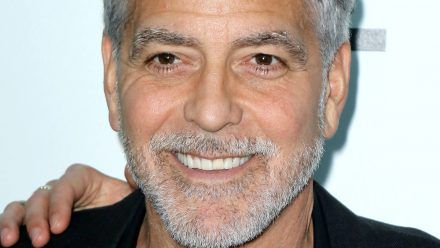 George Clooney über seine Streiche mit dem Katzenklo des Kollegen