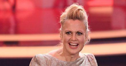 """Moderatorin Barbara Schöneberger bei der TV-Spendengala """"Ein Herz für Kinder""""."""