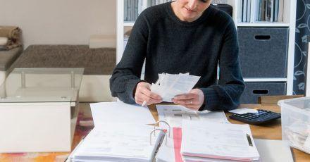 Rechnungen aufheben für die Steuererklärung:Computer mussten bisher über die Nutzungsdauer abgeschrieben werden. Das hat sich jetzt geändert.