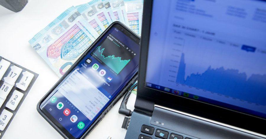 Das Internet eröffnet neue Vertriebsmöglichkeiten: Für Fonds gibt es zum Beispiel Discounter. Beratung finden Kunden dort aber nicht.
