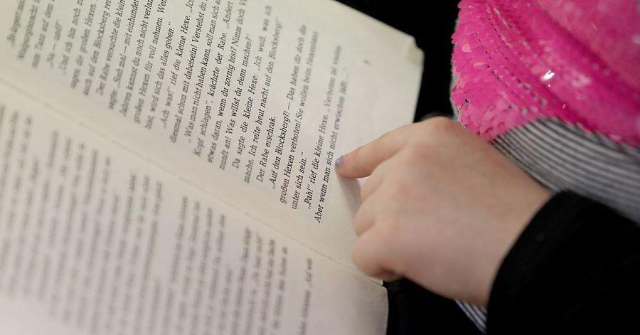 Längst nicht alle Kinder und Jugendliche in Deutschland können flüßig lesen. Das soll sich ändern.