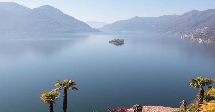 Da werden Frühlingsgefühle geweckt: Blick über den Lago Maggiore.