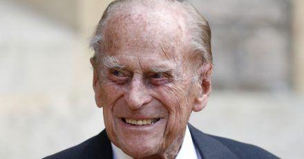 Prinz Philip wird zur Erholung und Behandlung noch einige Zeit im Krankenhaus bleiben.