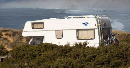 Viele verbinden mit dem Urlaub im Camper den Wunsch, möglichst individuell und flexibel reisen zu können.