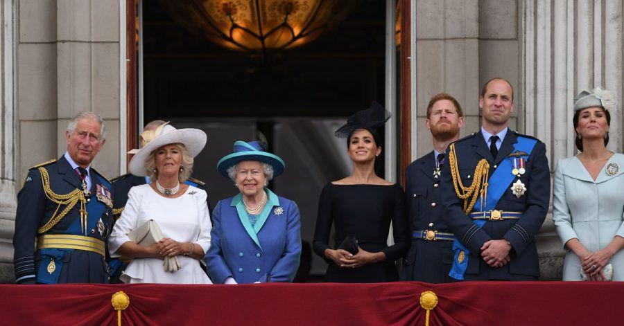 Die königliche Familie um Queen Elizabeth (3.v.l.) auf dem Balkon des Buckingham-Palasts im Sommer 2018.